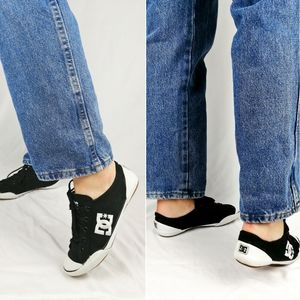 black & white low sneakers DC shoes